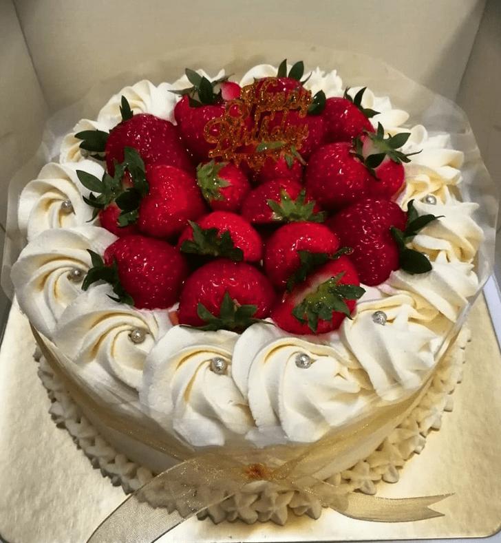 Fine Strawberry Cake