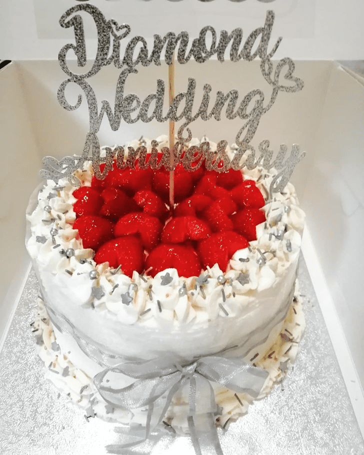 Good Looking Strawberry Cake