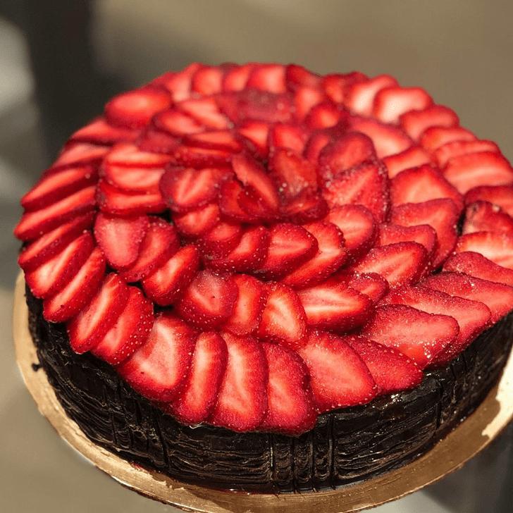 Grand Strawberry Cake