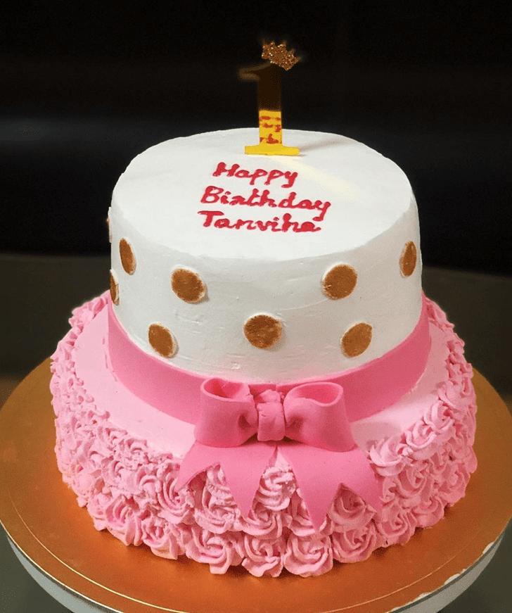 Mesmeric Strawberry Cake