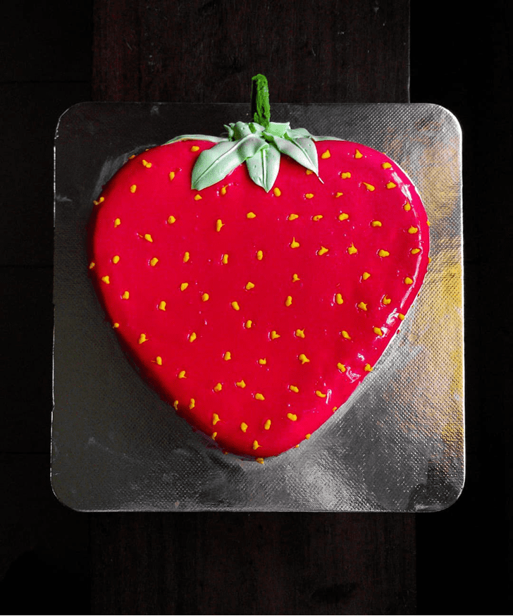 Pleasing Strawberry Cake