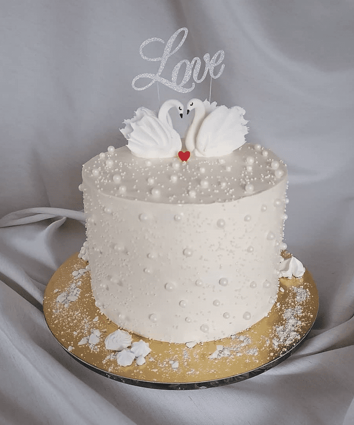 Bewitching Swan Cake