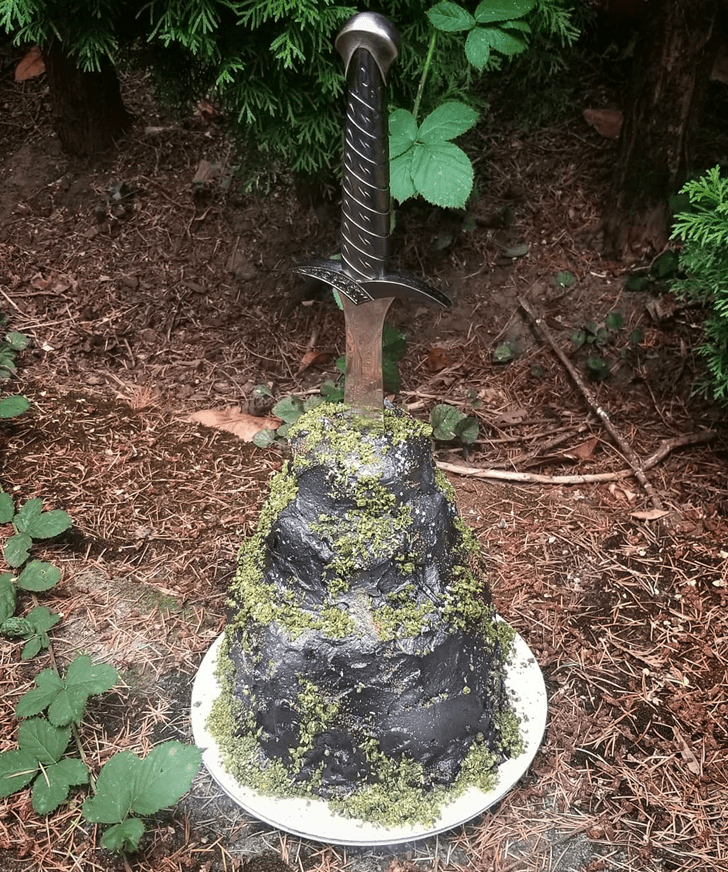 Good Looking The Sword in the Stone Cake