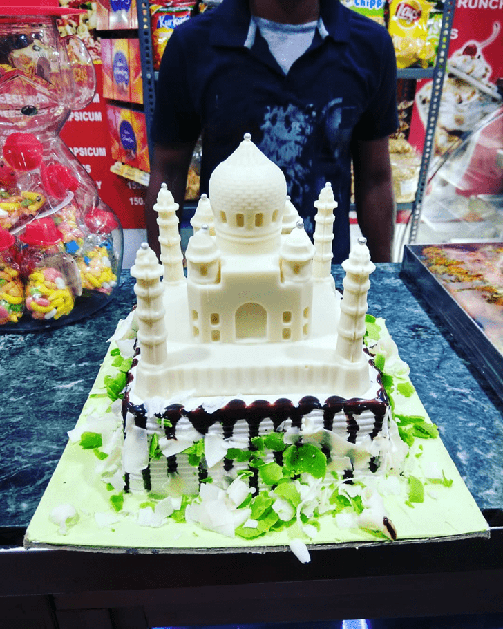 Beauteous Taj Mahal Cake