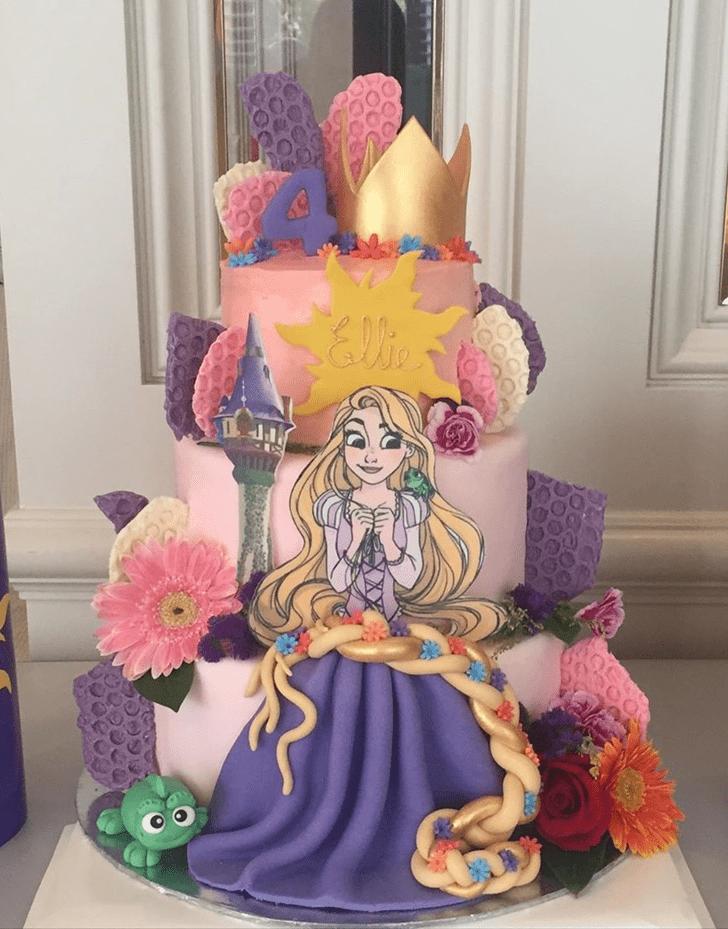 Appealing Tangled Cake