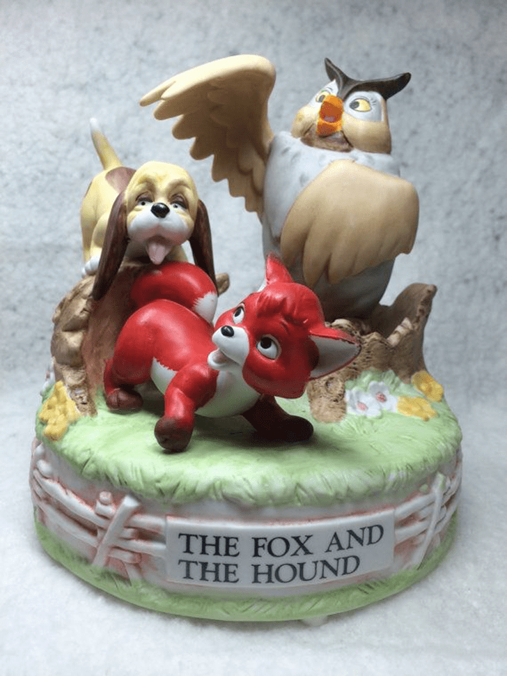 Charming The Fox and the Hound Cake