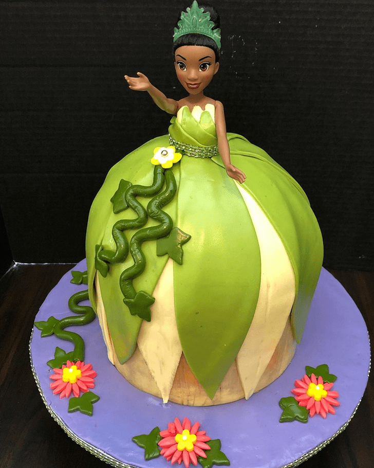 Graceful The Princess and the Frog Cake