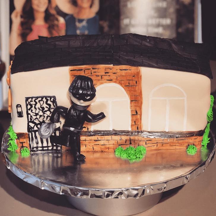 Alluring Thief Cake