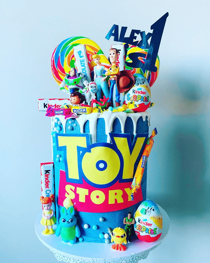 Comely Toy Story Cake