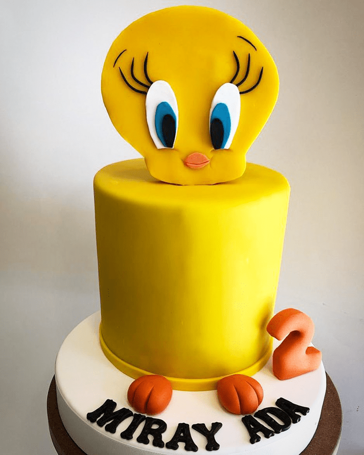 Adorable Tweety Cake