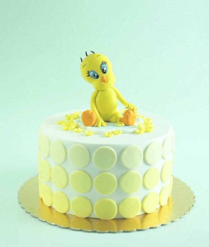 Inviting Tweety Cake