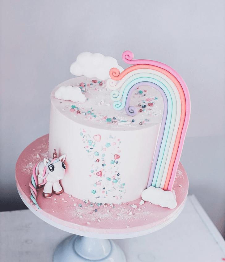 Comely Unicorn Cake