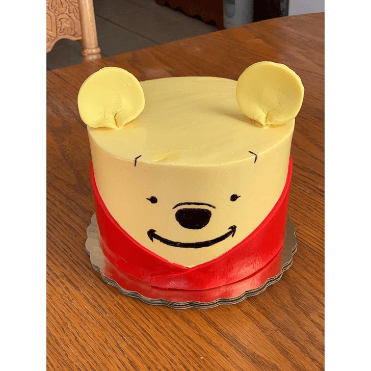Angelic Winnie the Pooh Cake