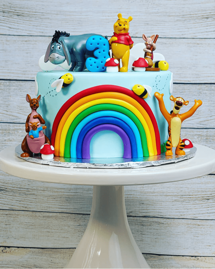 Appealing Winnie the Pooh Cake
