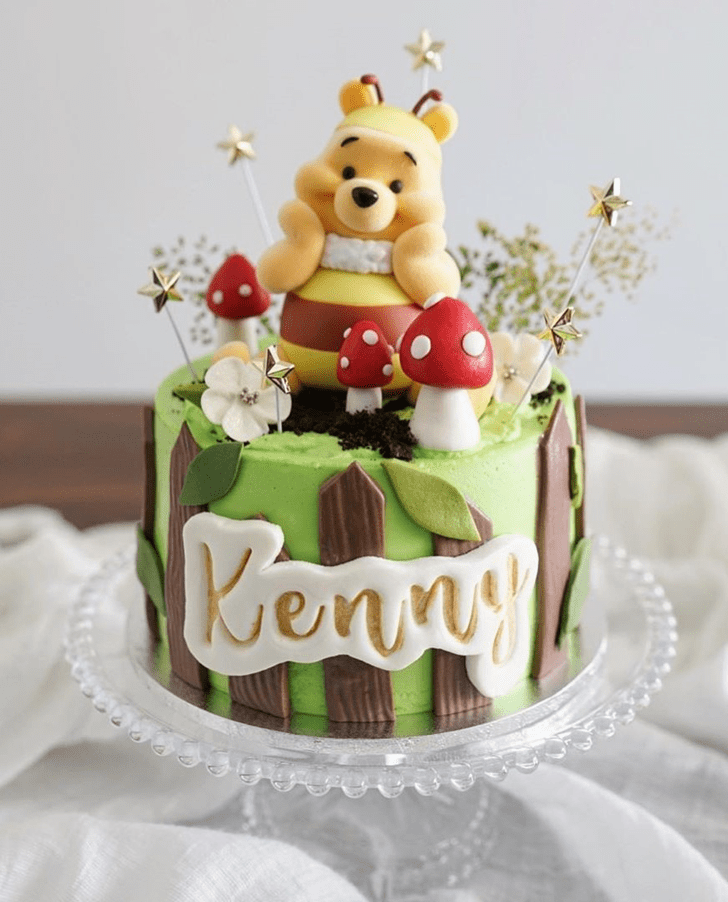 Captivating Winnie the Pooh Cake