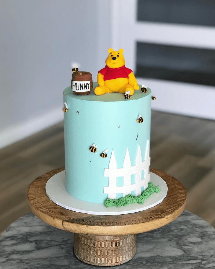 Dazzling Winnie the Pooh Cake