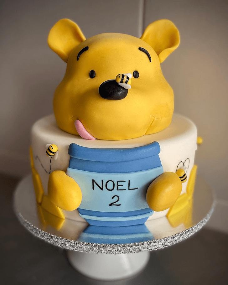 Divine Winnie the Pooh Cake