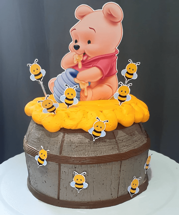 Enthralling Winnie the Pooh Cake