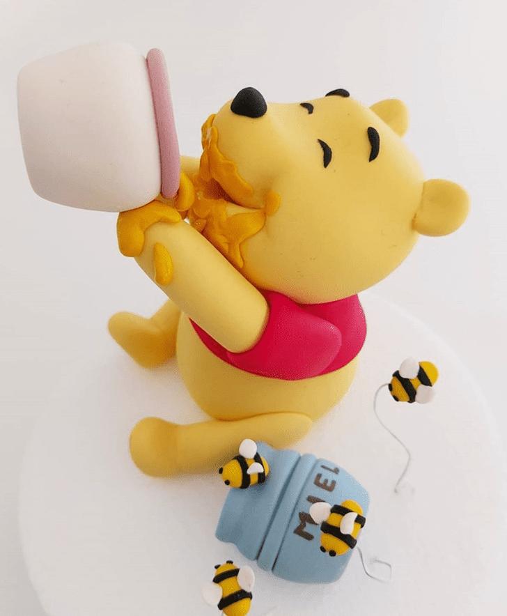 Exquisite Winnie the Pooh Cake