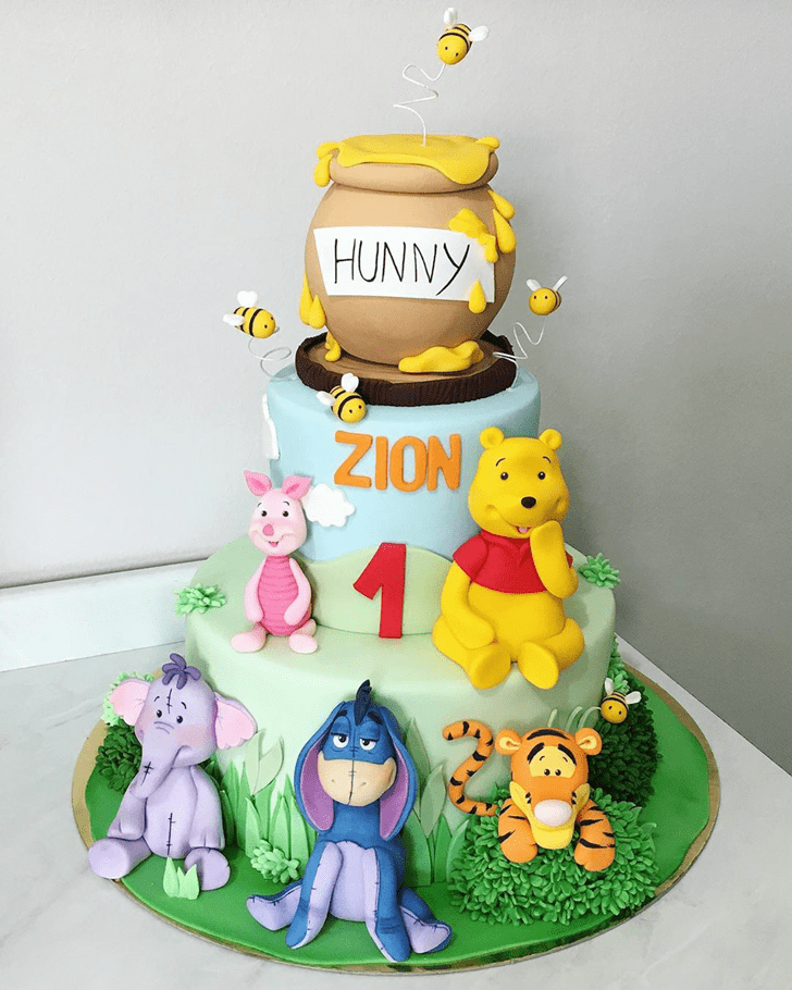 Fetching Winnie the Pooh Cake