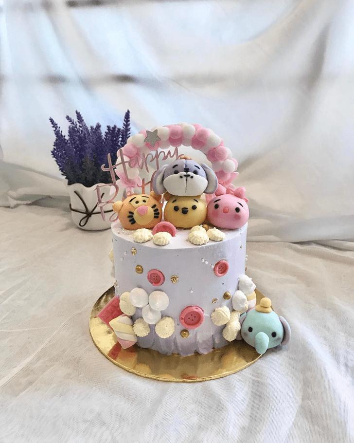 Good Looking Winnie the Pooh Cake