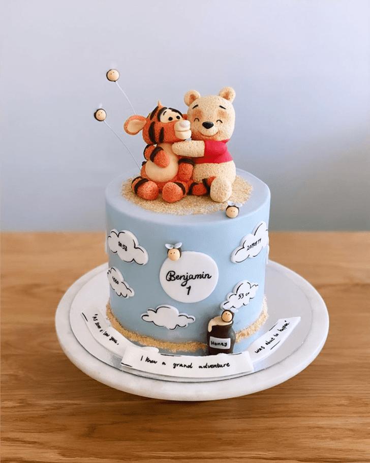 Inviting Winnie the Pooh Cake