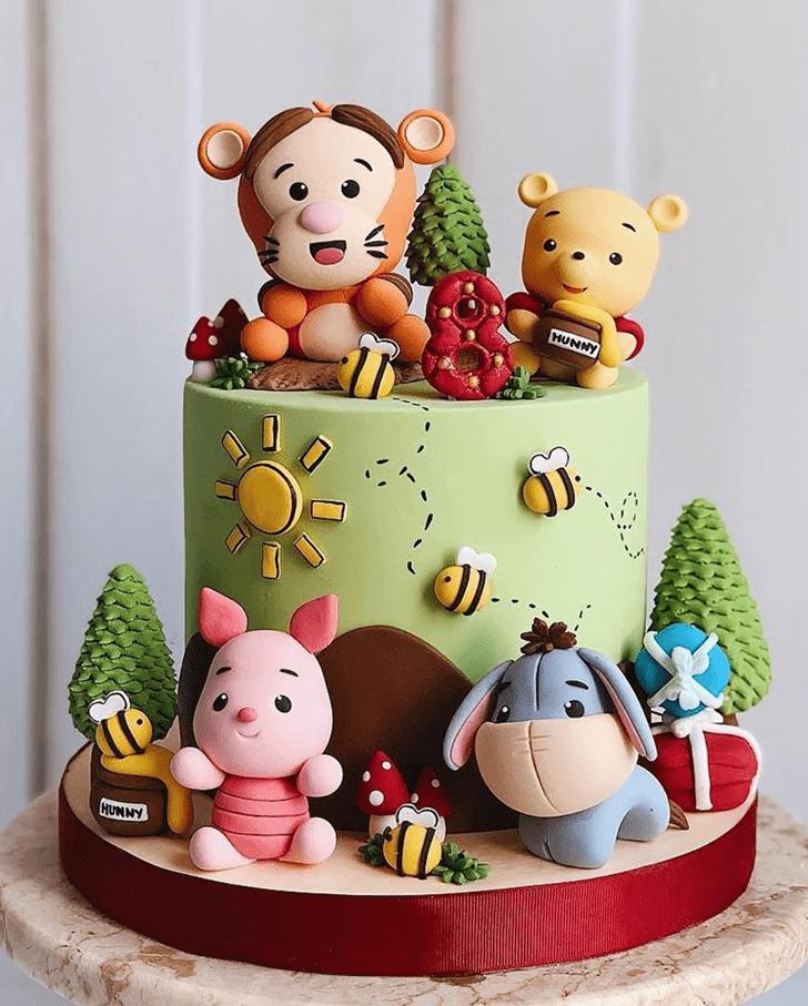 Lovely Winnie the Pooh Cake Design