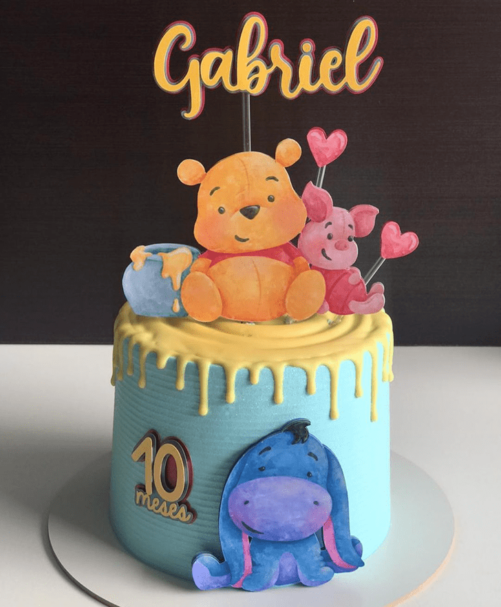 Refined Winnie the Pooh Cake