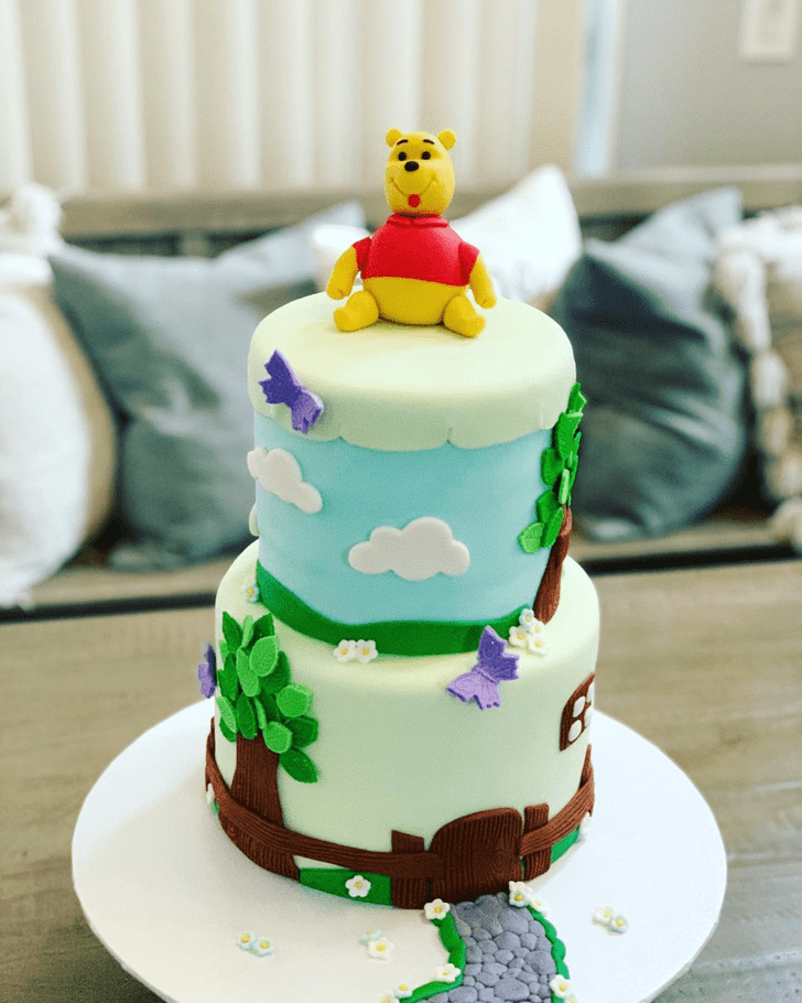 Shapely Winnie the Pooh Cake