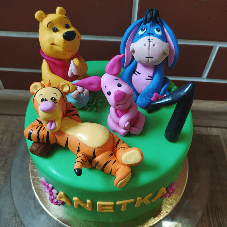 Wonderful Winnie the Pooh Cake Design