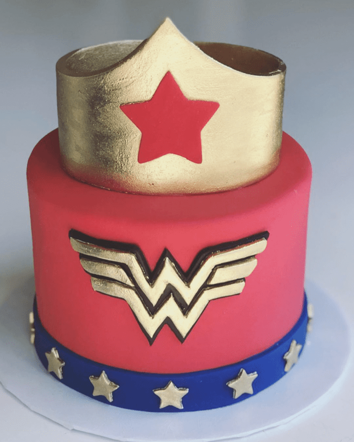 Admirable Wonder Woman Cake Design