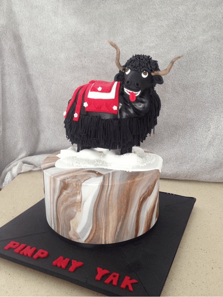 Black Yak Cake with Brown and Black Base