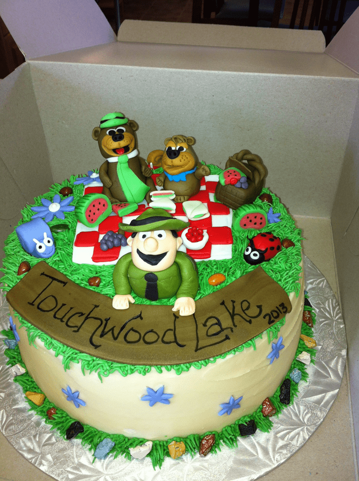 Adorable Yogi Bear Cake