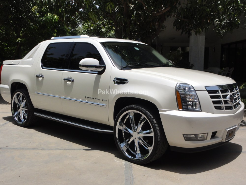 medium resolution of 2008 cadillac escalade ext 11