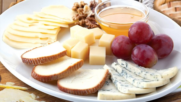 Simple cheese plate #cheeseplate #cheeseslicer