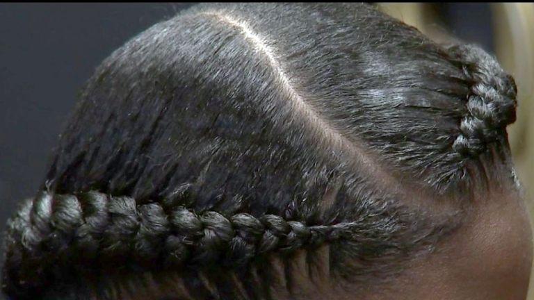 La loi CROWN protégerait les travailleurs et les étudiants de la discrimination fondée sur la coiffure