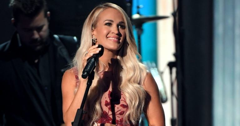 Proof That Carrie Underwood Still Stuns Without Makeup