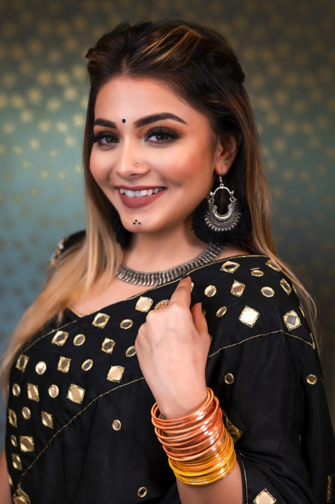 Celebrated makeup artist Richa Dave shares some beauty hacks that every Indian girl must know
