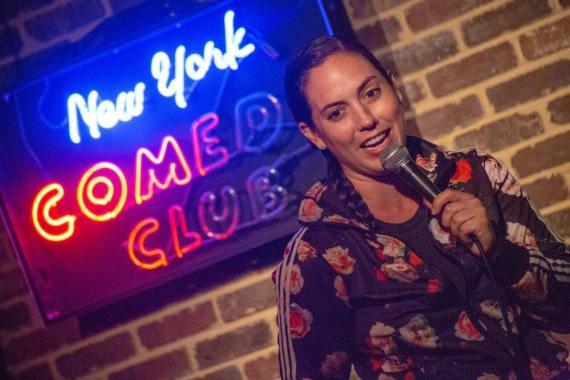 Caitlin Peluffo new york comedy club