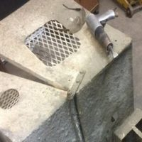 How to clean concrete from tools and small machinery