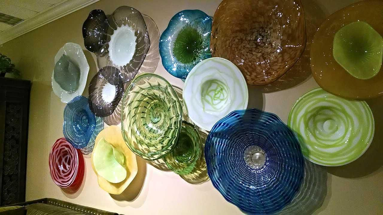 Decorative Plates For Wall Will Create Special Mood In
