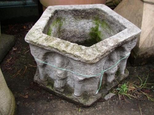 Italian Stone Pentagonal Tub