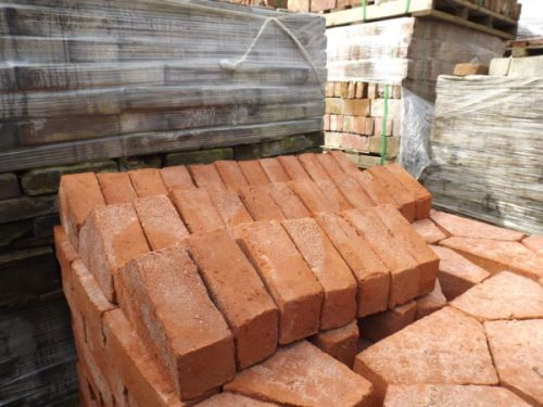 Shaped, coping & special Bricks