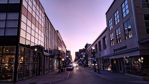 The best area to stay in Quebec City for shopping - Saint-Roch