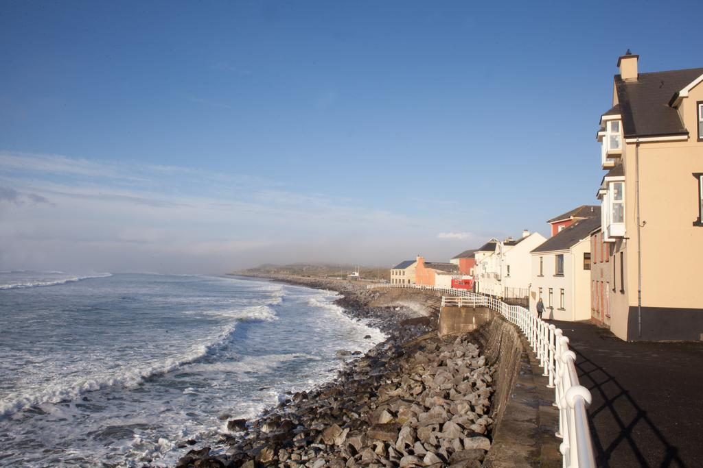 The best villages to stay near Cliffs of Moher - Lahinch