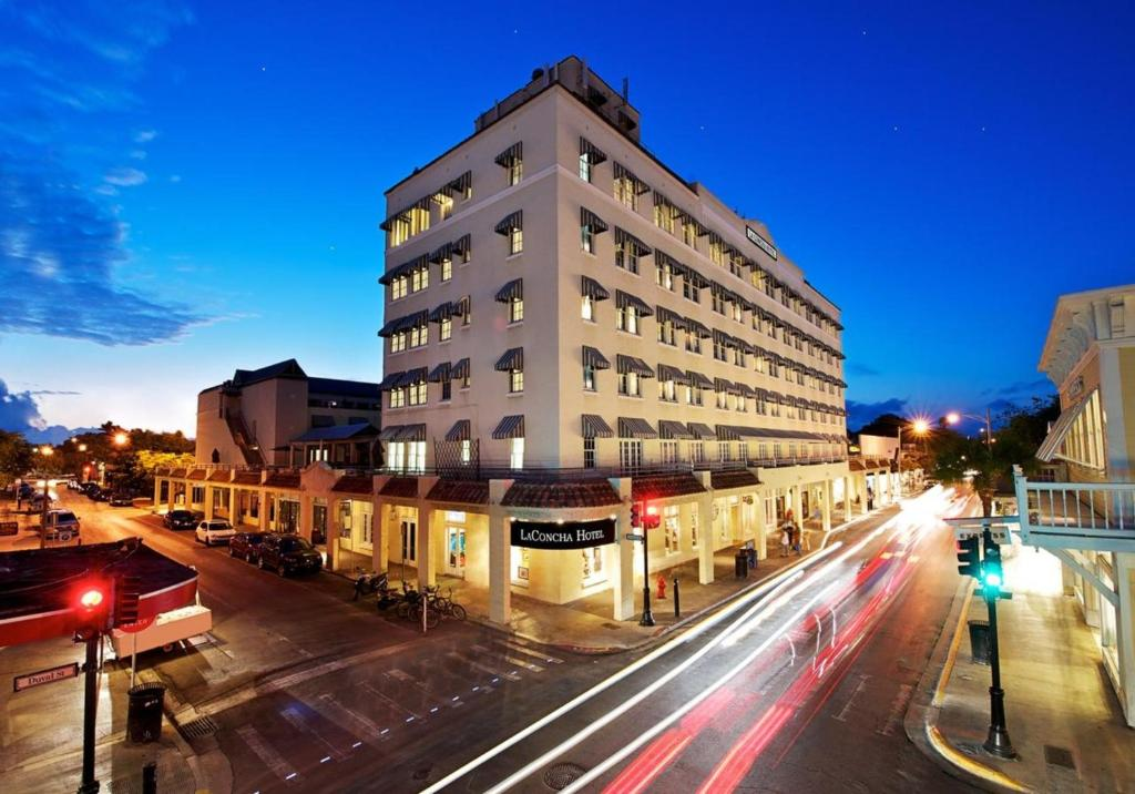 Mejores zonas donde dormir en Key West - Duval Street