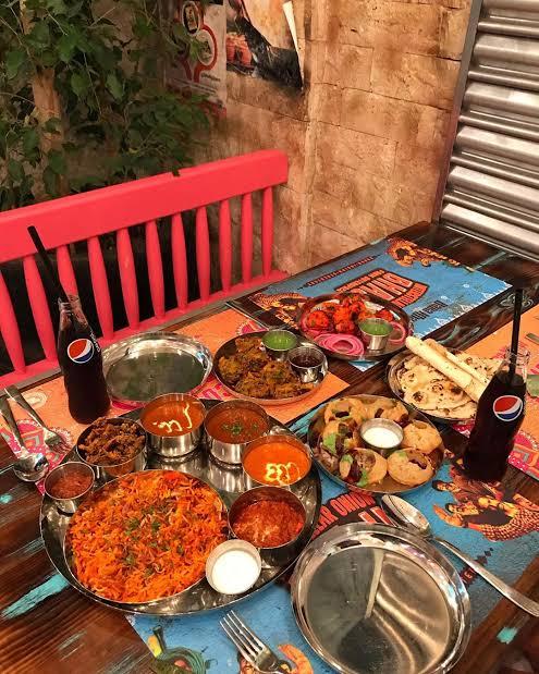 مطاعم هندية في واجهة الرياض
