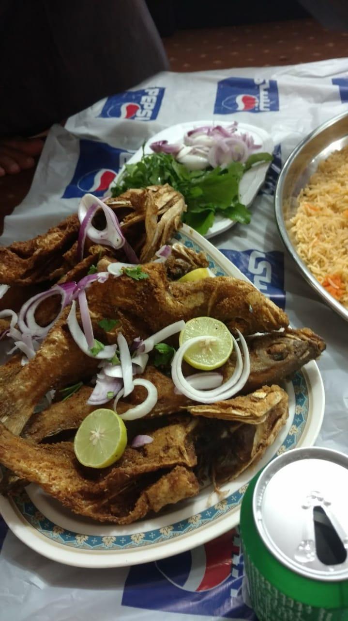 مطعم الرياض خميس مشيط