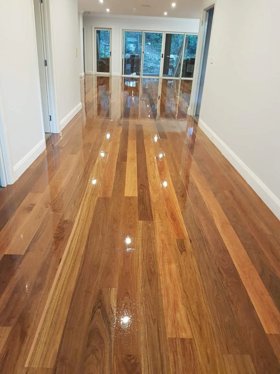 Sand and polish - Spotted Gum - 001