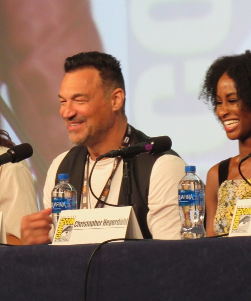 Review: Van Helsing Season 4 – with SDCC interviews and Pictures